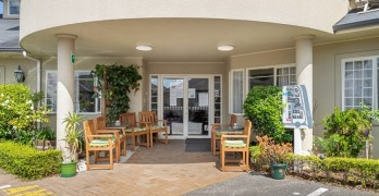 https://www.villageguide.co.nz/bupa-accadia-manor-care-home-2436