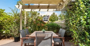 https://www.villageguide.co.nz/bupa-accadia-manor-care-home-2441
