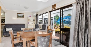https://www.villageguide.co.nz/bupa-cornwall-park-care-home-2027