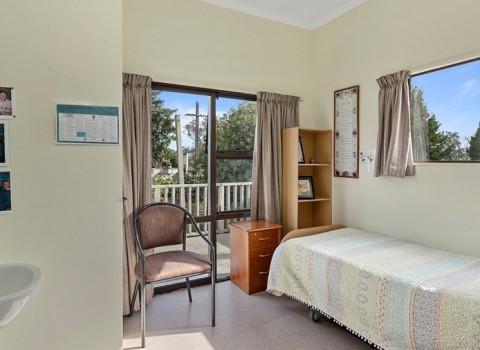 bupa-gardenview-care-home-2572