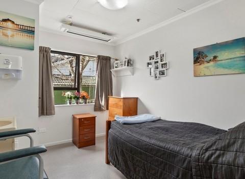 bupa-gardenview-care-home-2573