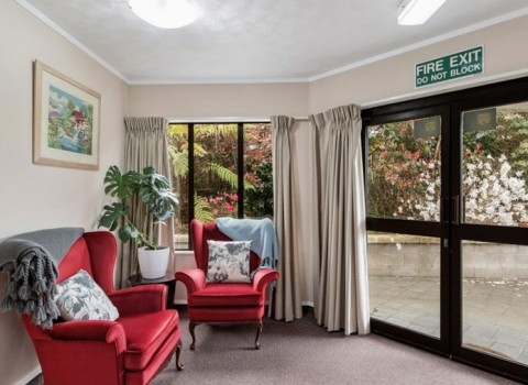 bupa-the-gardens-care-home-2526