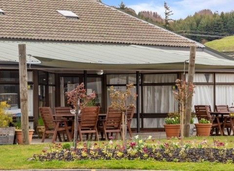 bupa-the-gardens-care-home-2530
