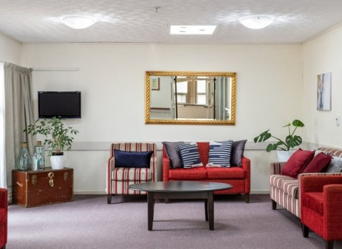 bupa-the-gardens-care-home-2534