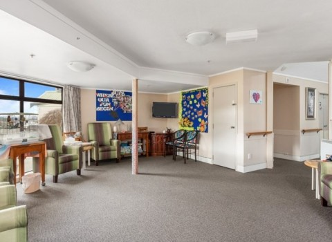 bupa-the-gardens-care-home-2535