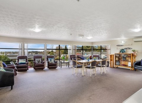 bupa-the-gardens-care-home-2536