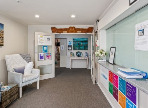 bupa-the-gardens-care-home-2538