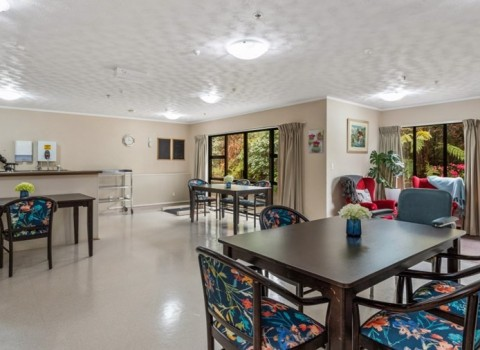 bupa-the-gardens-care-home-2540
