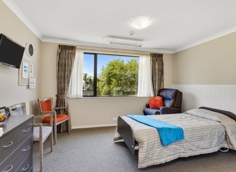 bupa-wattle-downs-care-home-2204