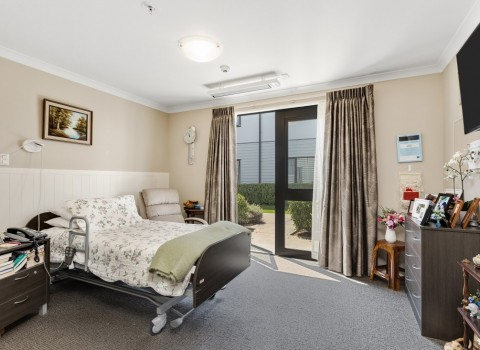 bupa-wattle-downs-care-home-2206