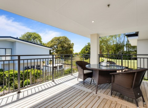 bupa-wattle-downs-care-home-2209