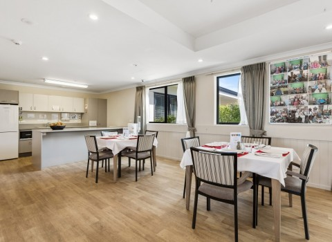 bupa-wattle-downs-care-home-2212