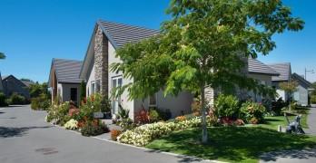 https://www.villageguide.co.nz/alpine-view-2-3-bedroom-houses-1