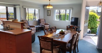 https://www.villageguide.co.nz/aparangi-village-three-bedroom-home-6953