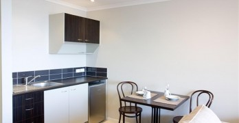 https://www.villageguide.co.nz/bayswater-metlifecare-serviced-apartments-1