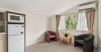 https://www.villageguide.co.nz/bupa-accadia-retirement-village-one-bedroom-apartments-6