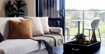 https://www.villageguide.co.nz/country-club-huapai-stylish-two-bedroom-6109