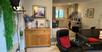 https://www.villageguide.co.nz/deverton-lifestyle-village-two-bedroom-apartments-2