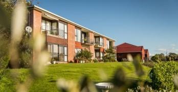 https://www.villageguide.co.nz/hibiscus-coast-village-metlifecare-2-bedroom-apartment-8