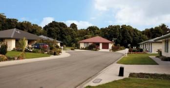 https://www.villageguide.co.nz/woodlands-retirement-village-2-bed-villa-w-garage-1